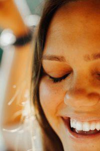 טיפולי שיניים בחול – כל המידע והטיפים החשובים שרציתם לדעת על טיפולי שיניים